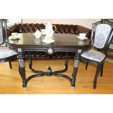 Unikatowy czarny stół , tuż po stylizacji