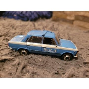 Fiat 125p milicja - model 1:43