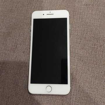 Apple Iphone 8 Plus 64 GB - SILVER