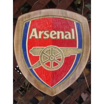 Arsenal F.C. Ręcznie rzeźbione logo w drewnie.