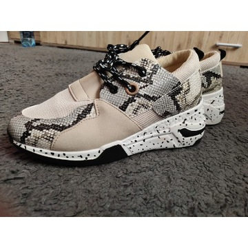 Sportowe buty sneakersy, wężowy wzór, hit!