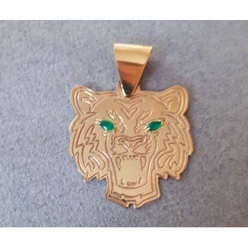 Nowa zawieszka medal Młody Kot Kubańczyk szmaragdy