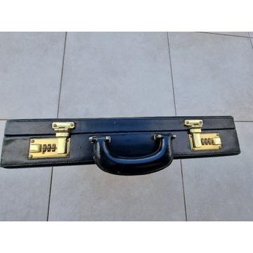 Dyplomatka walizka aktówka teczka czarna z zamkiem