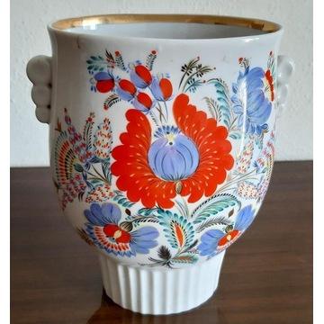 Spłaszczony wazon na kwiaty