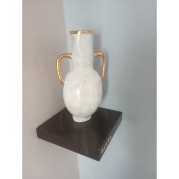 Waza ceramiczna z elementami złota