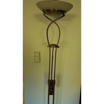 Lampa stojąca z regulacją natężenia światła