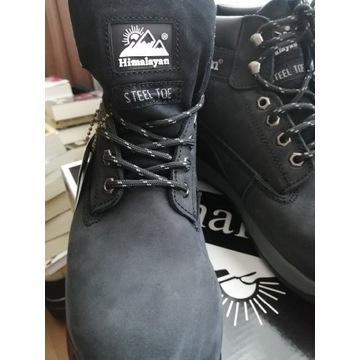 Buty robocze z ochrona na palce
