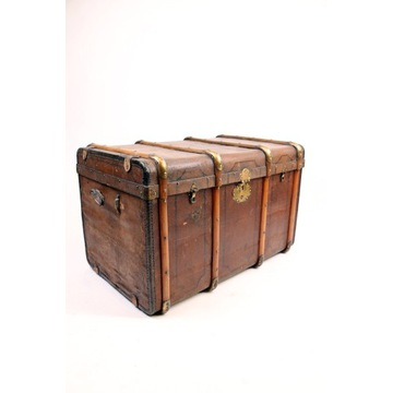 Antyczny kufer podróżny