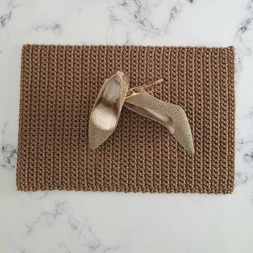 Złoty dywanik prostokątny do łazienki