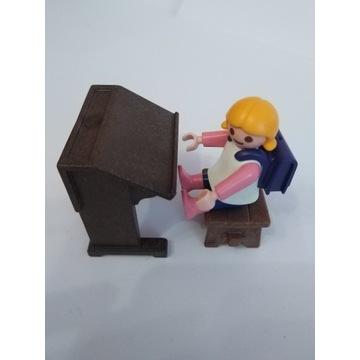 Playmobil dziecko dziewczynka ławka szkoła plecak