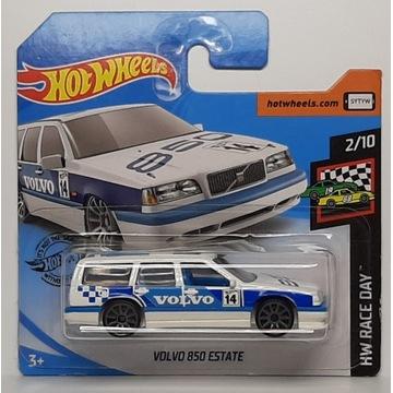 Hot Wheels - Volvo 850 Estate (4)
