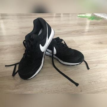 Buty sportowe Nike - 38