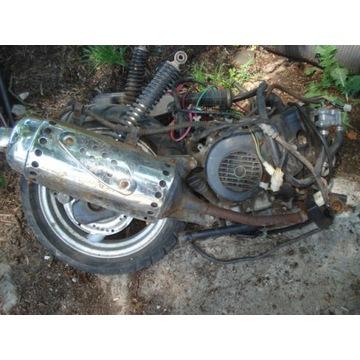 MAGNUS skuter pozostałóść silnik koło nap.