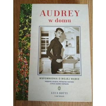 Audrey w domu Luca Dotti