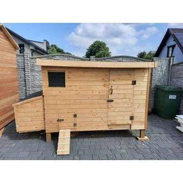 Kurnik drewniany