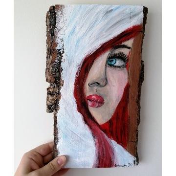 Rudy Anioł malowany na drewnie