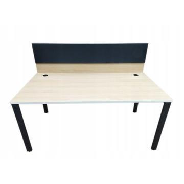 Wygodne biurko 160cm x 80cm z przegrodą, tablicą