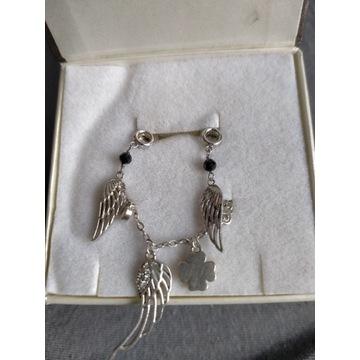 Biżuteria (Kolczyki i bransoletka)