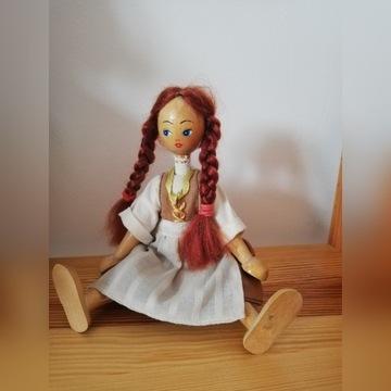 Drewniana lalka