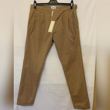 Spodnie casual Deni Cler z zaszewkami 44 / 46 NOWE