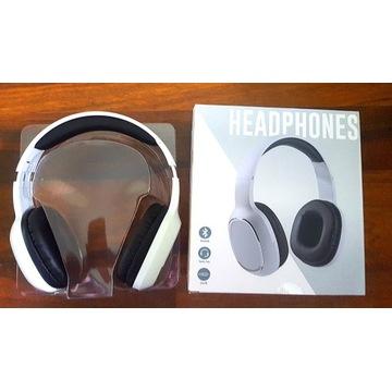 Nowe białe słuchawki bezprzewodowe Bluetooth