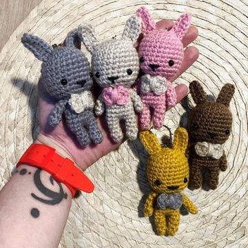 Królik króliczek Maskotka-breloczek brelok KOLORY