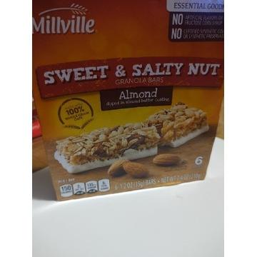 Batoniki proteinowe z USA granola almond migdały