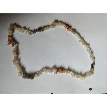 Korale beżowe kamień kamienne kamyki