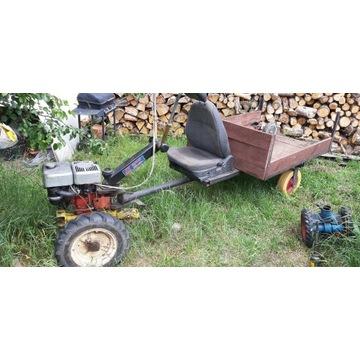 Traktorek ogrodniczy