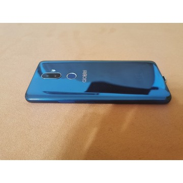 Smartfon Alcatel 3V niebieski