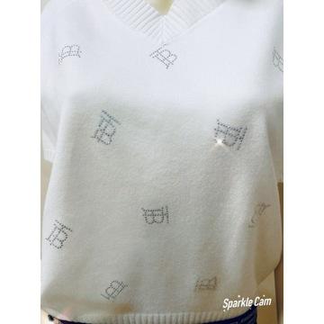 Piękna koszulka sweterkowa. Rozmiar uniwersalny .