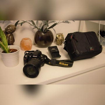 Nikon D3100 + obiektyw 18-105mm DX VR AF-S + torba