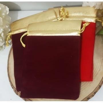 aksamitna torba prezentowa w kolorze bordowym