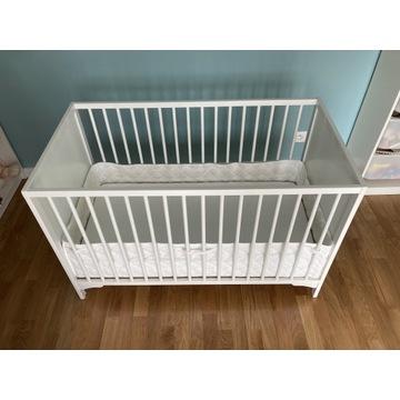 Łóżko niemowlęce z materacem