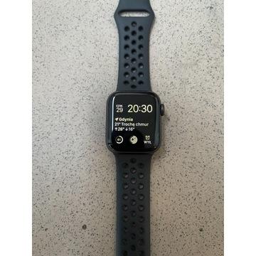 Apple Watch Series 6 Nike 40 mm Space Grey