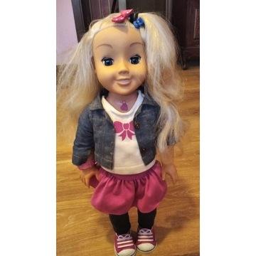 Śliczna lalka