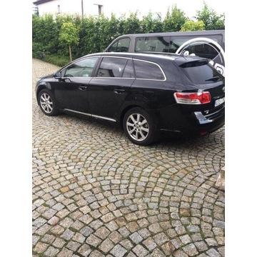 Wynajem Toyota Avensis Combi