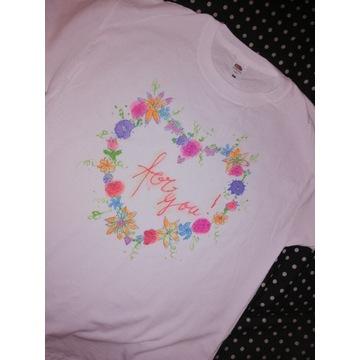 T-shirt bluzka koszulka napis świeci w ciemnosci