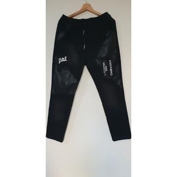 Mega oryginalne czarne spodnie w rozm. 2XL