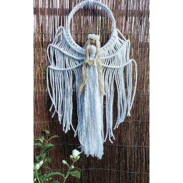 Aniołek makramowy