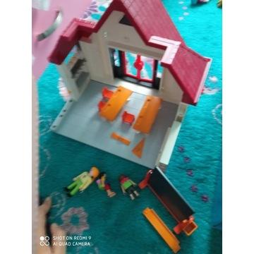Playmobil szkoła to co na zdjęciu