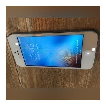 Iphone 5 16GB + 6 sztuk etui