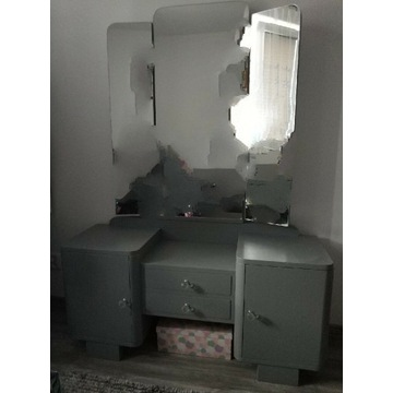 Toaletka odnowiona