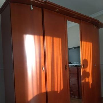 Sypialnia stylowa lozko, szafa, komody, stoliki