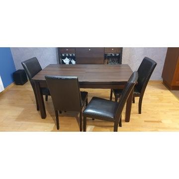 Stół, krzesła oraz barek