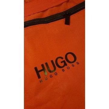 Hugo Boss pokrowiec na ubrania