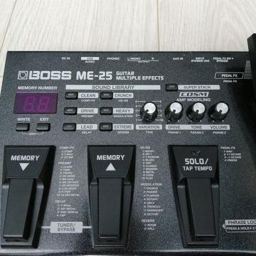 Boss ME-25 (Multiefekt Gitarowy)