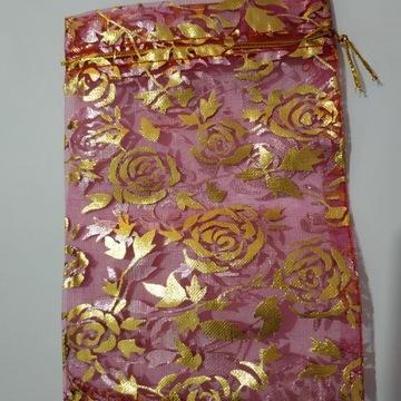 Woreczek z organzy różowy, opakowanie na prezent