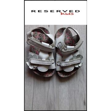 Reserved Kids sandały rozmiar 19