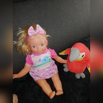 Gadająca lalka i papuga